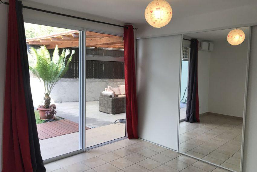 atike-immobilier-tahiti-location-maison-paea-chambre-parentale