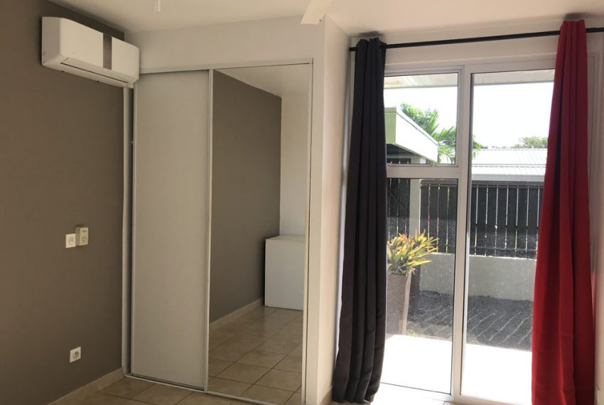 atike-immobilier-tahiti-location-maison-paea-chambre1