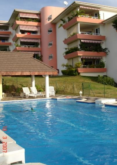 atike immobilier appartemment F4 Punaauia piscine